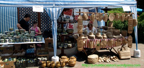 Targ de costume populare la Piatra Neamt