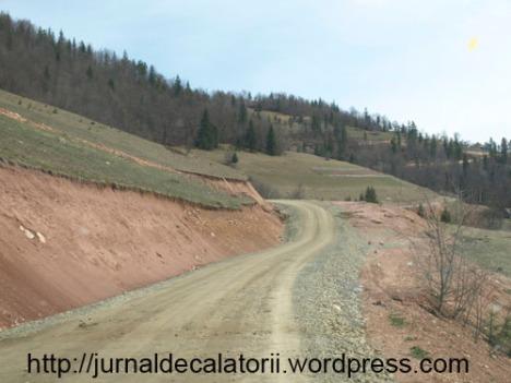 Drum aproape de pestera
